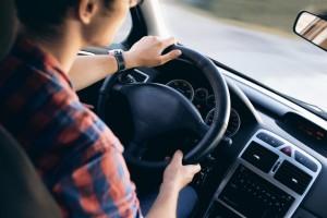 Autosleutel in auto